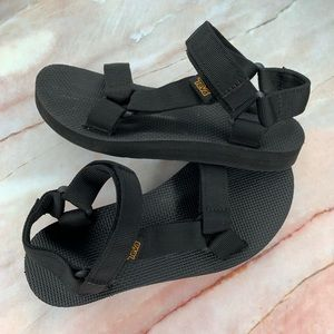 Teva Kids Black Strappy Classic Velcro Sandals 5